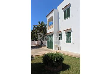 Villa en alquiler a 800 m de la playa cala 39 n bosch for Jardin hormiguita viajera villa bosch