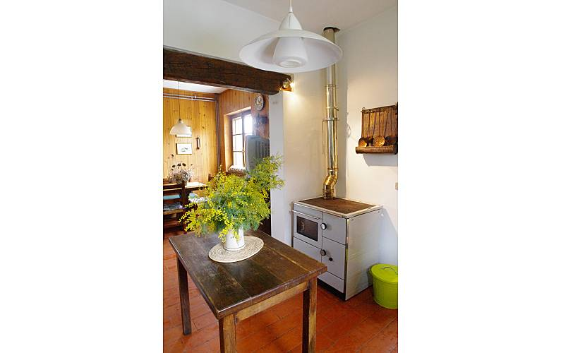 Villa de 3 chambres avec piscine monsagrati pescaglia for Chambre 13 parole