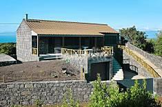 House for rent in São Roque do Pico Aveiro