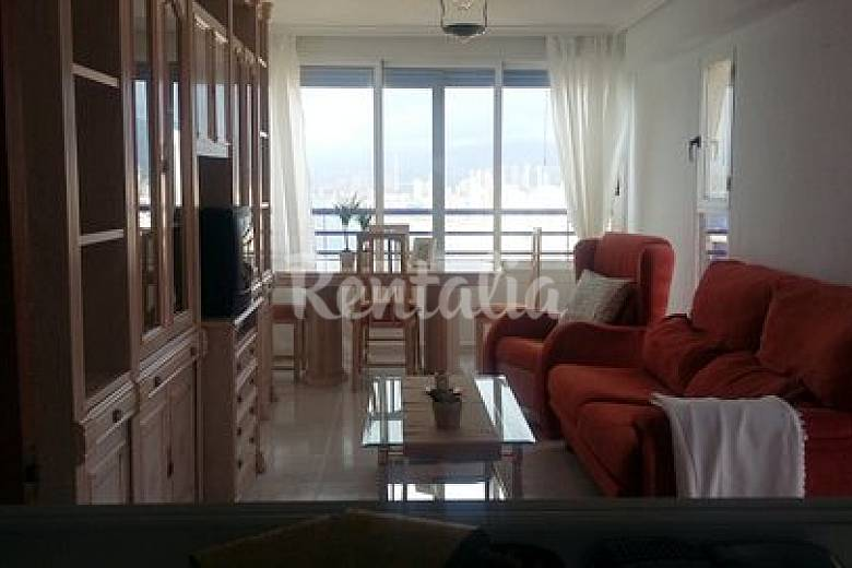 Apartment with 2 bedrooms only 100 meters from the beach Alicante