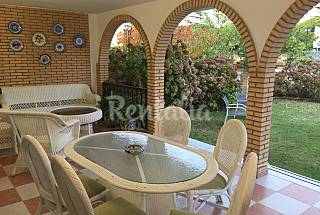 House for rent on the beach front line Huelva