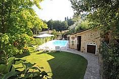 Splendido casale con giardino privato e piscina. Lucca