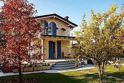 Villa singola vicino al mare Lucca