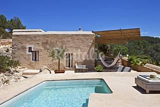 Bella villa di disegno con vista mozzafiato Ibiza