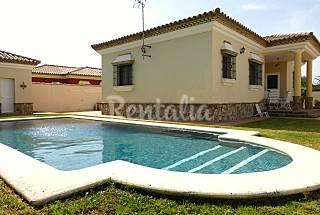 Villa Amistad. 8-9 personas, piscina privada.  Cádiz