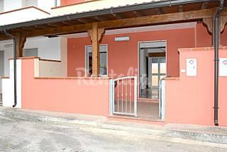 LEILA  per 4-6 persone con giardino privato Taranto
