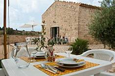 Villa for 4-5 people only 300 meters from the beach Ragusa