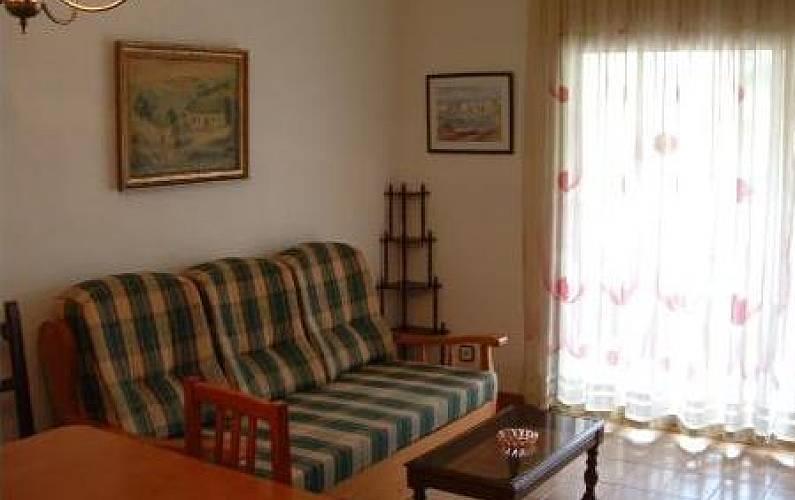 Apartamento com 2 quartos a 100 m da praia salou for Sala 0 tarragona
