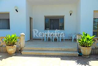 Villa for 8-14 people only 500 meters from the beach Lecce