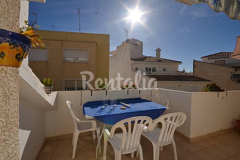Appartement met 2 slaapkamers op 50 meter van het strand el campello alicante costa blanca for Terras strijkijzer
