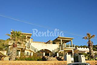 Villa for 12-14 people on the beach front line Agrigento
