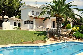 Villa for 7-12 people only 1000 meters from the beach Tarragona