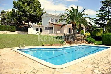 Villa para 8 13 personas a 1000 m de la playa barri for Piscina el vendrell