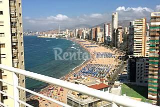 Luxury Penthouse Apt Over Looking Benidorm's beach Alicante
