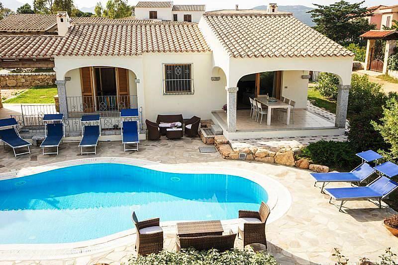 Villa en alquiler a 1000 m de la playa budoni olbia tempio for Case budoni affitto