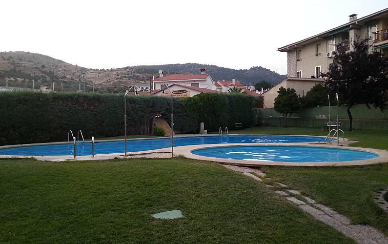 Zwembad In Huis : Huis met slaapkamers met zwembad cebreros Ávila