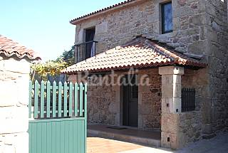 House for 4-5 people with private garden A Coruña