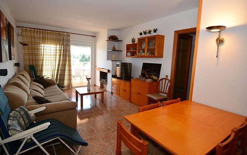 Apartamento para 6 pessoas a 600 m da praia zona costera for Sala 0 tarragona