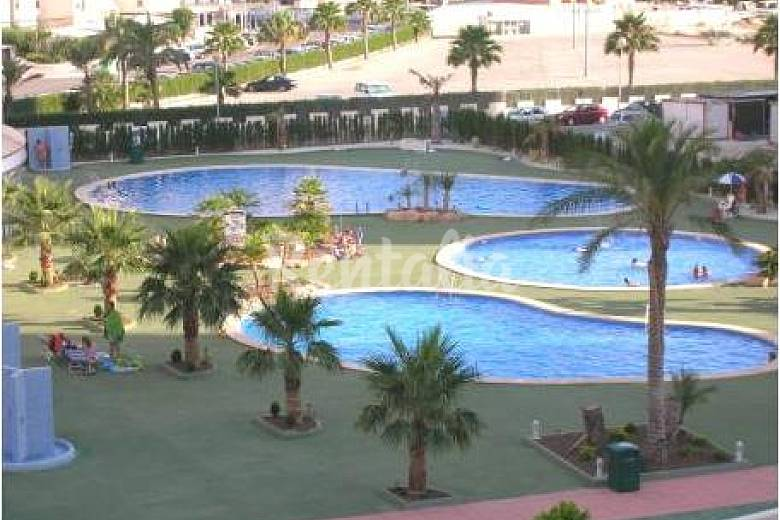 2 dormitorios 2 ba os 2 terrazas 3 piscinas calpe for Piscinas calpe