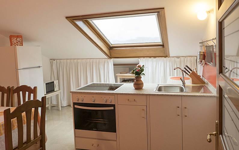 2 Kitchen A Coruña Cedeira Apartment - Kitchen