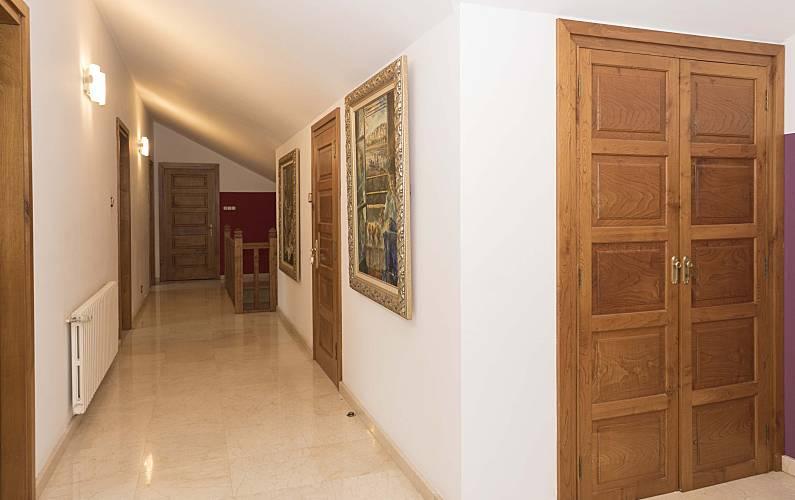 2 Indoors A Coruña Cedeira Apartment - Indoors