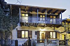 Mountains, culture, wine making: house in Armona Turin