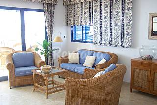 Apartment with 3 bedrooms only 30 meters from the beach Alicante