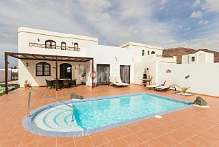 Villa for 6 people only 900 meters from the beach Lanzarote