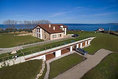 9 Apartamentos Turísticos Villa Sofía en la Playa de Oyambre Cantabria