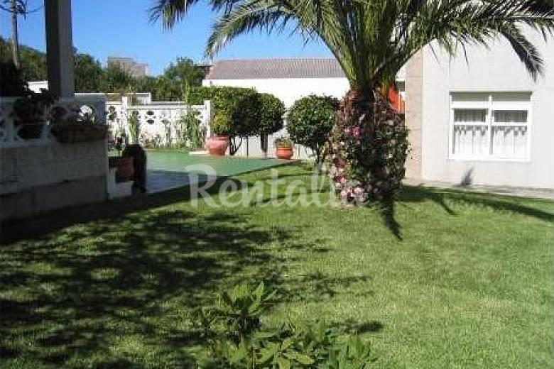 Casa con jard n cerca de la playa cedeira a coru a la for Aparthotel jardin de playa
