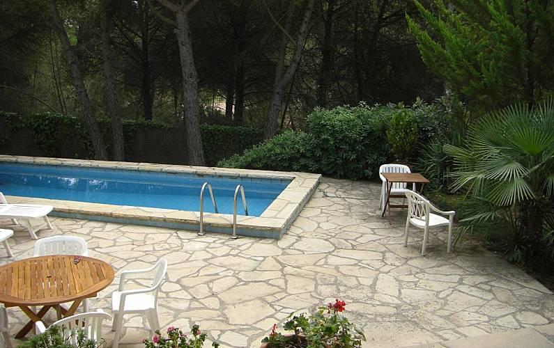 Villa enti rement quip e avec piscine la costeta for Villa barcelone avec piscine