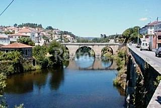 Pretty house with lovely views, River beach 500m Coimbra