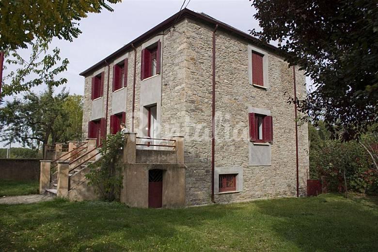 Casa para 8 9 personas con jard n privado albares de la ribera torre del bierzo le n el bierzo - Casa rural bierzo ...