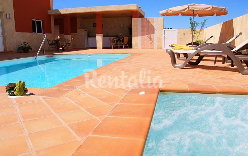 Villa de 3 a 7 habitaciones a 3 km de la playa maspalomas san bartolom de tirajana gran - Villas en gran canaria con piscina ...