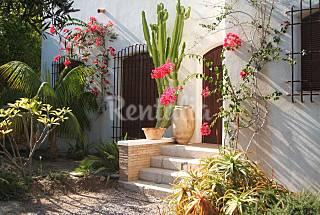 Románticos alojamientos en Villa con jardín  Almería