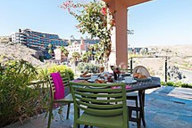 Casa en alquiler con piscina salobre el san bartolom for Casa rural el jardin de san bartolome
