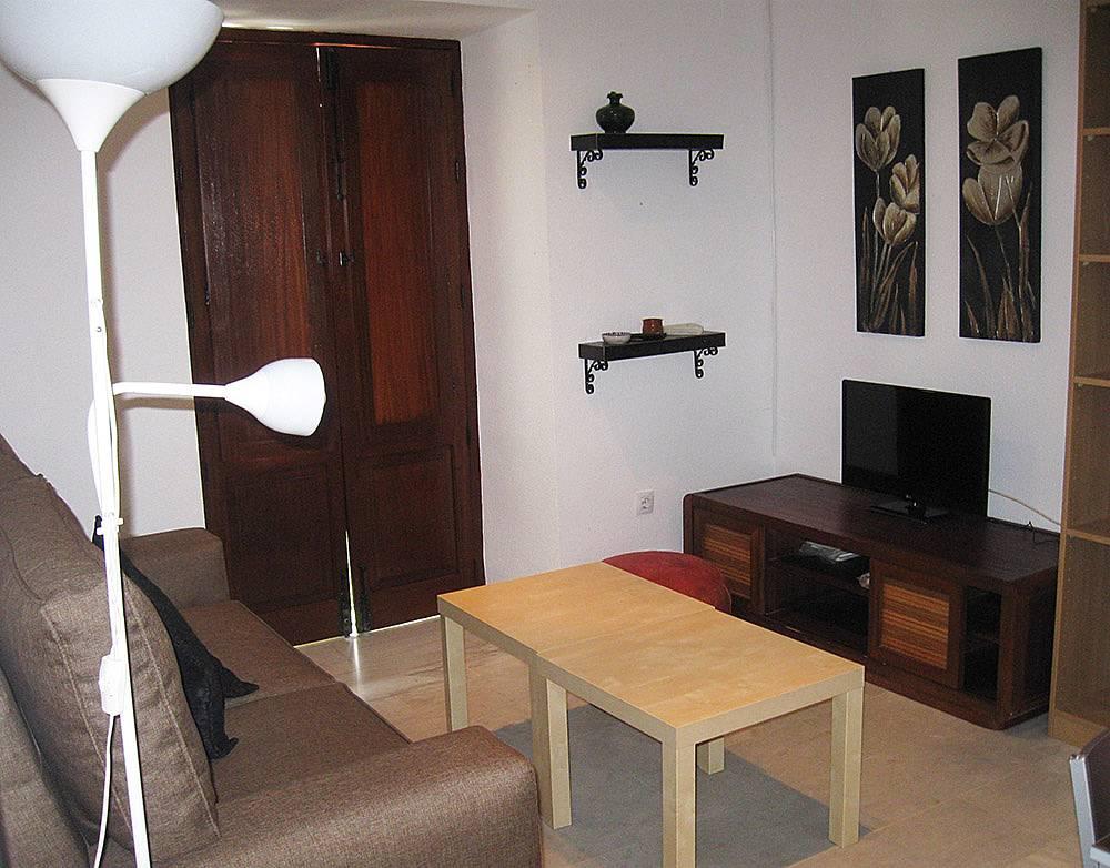 Apartamento de 2 habitaciones en sevilla centro sevilla for Habitaciones cuadruples en sevilla