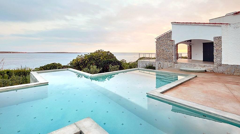 Villa de lujo a 350 m de la playa punta prima sant llu s menorca - Casas de lujo en menorca ...