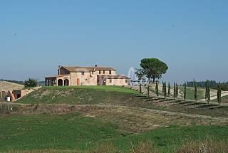 Villa con piscina a Ponte d'Arbia vicino a S...