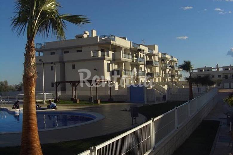 Apartment atic for 4 6 people panor mica golf vinar s - Best house castellon ...