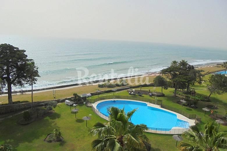 Apartamento en alquiler en 1a l nea de playa resinera voladilla estepona m laga costa del sol - Alquiler apartamentos en estepona ...