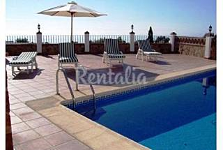 2 villas with 4 and 7 bedrooms each only 100 m. from the beach Málaga