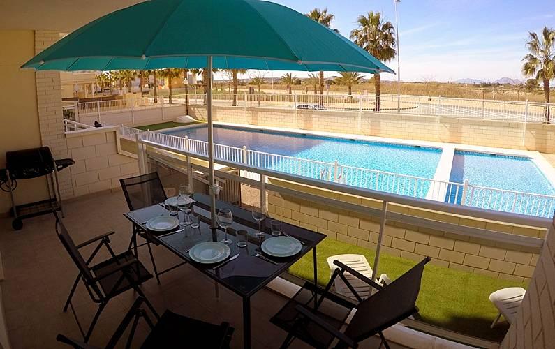 Appartement te huur op 1000 meter van het strand guardamar del segura alicante costa blanca for Terras strijkijzer