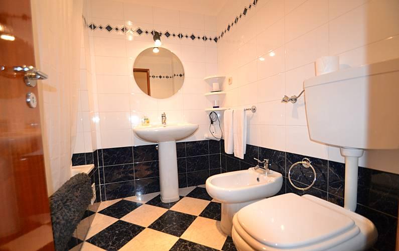 Beautiful Bathroom Algarve-Faro Silves Apartment - Bathroom