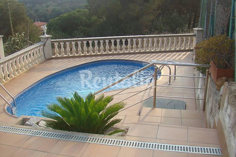 Villa con piscina privada a 10 minutos de la playa sant for Villas con piscina privada