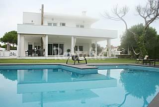 Villa de lujo con piscina a 300 metros de la playa Huelva