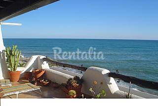 Apartment with 4 bedrooms on the beach front line Barcelona