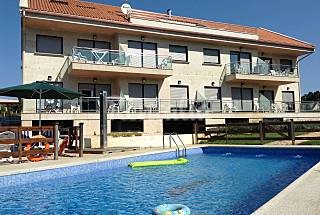 8 Apartments for 2-36 people only 500 meters from the beach Pontevedra