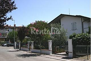 Villa con 2 stanze a 450 m dalla spiaggia Rimini