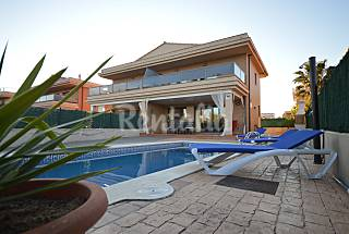 House with 3 bedrooms only 90 meters from the beach Tarragona